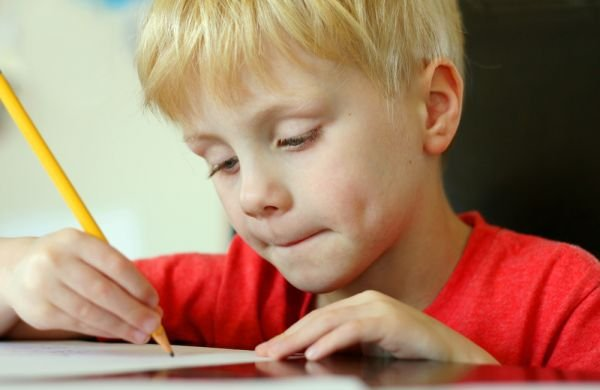 Písanie ide ruka v ruke s čítaním